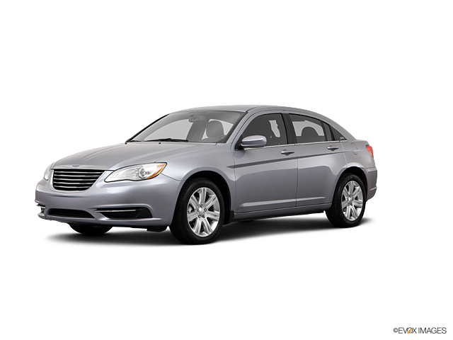 2013 Chrysler 200 Vehicle Photo in Redding, CA 96002