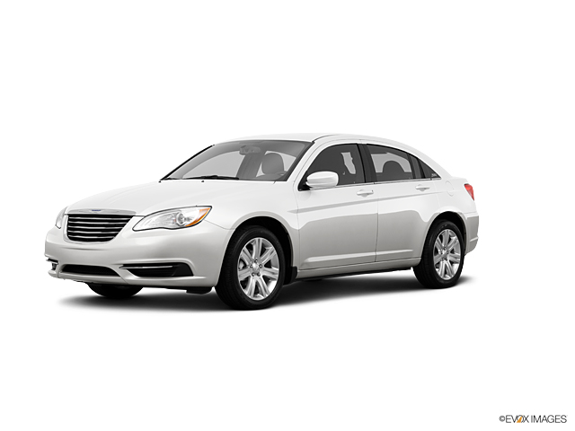 2013 Chrysler 200 Vehicle Photo in Tucson, AZ 85705