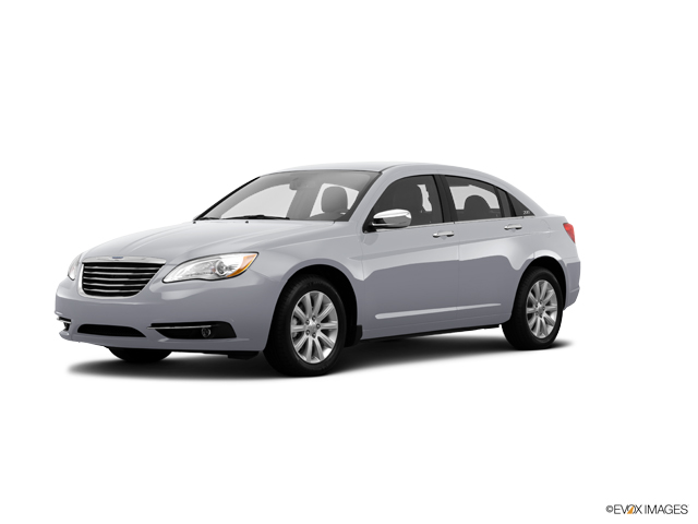 2014 Chrysler 200 Vehicle Photo in Tucson, AZ 85705