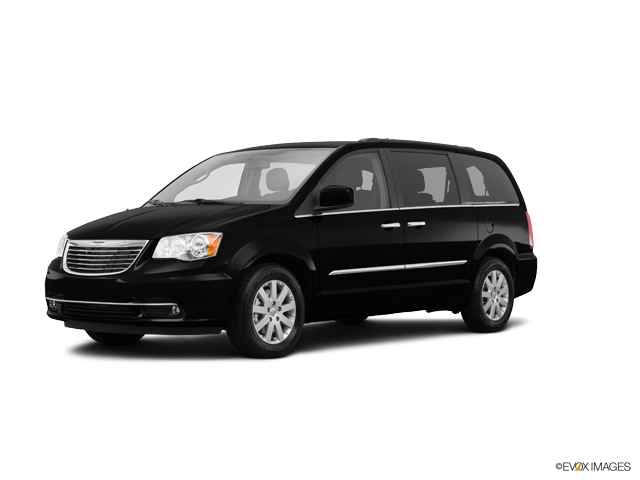 2015 Chrysler Town & Country Vehicle Photo in New Hampton, NY 10958
