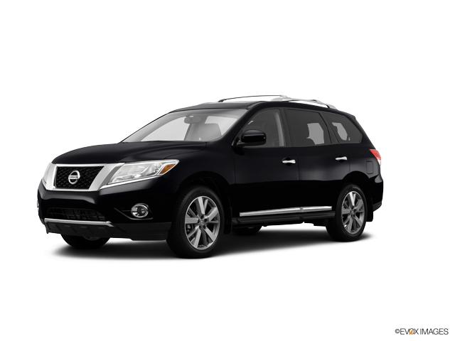 2015 Nissan Pathfinder Vehicle Photo in Burlington, WI 53105